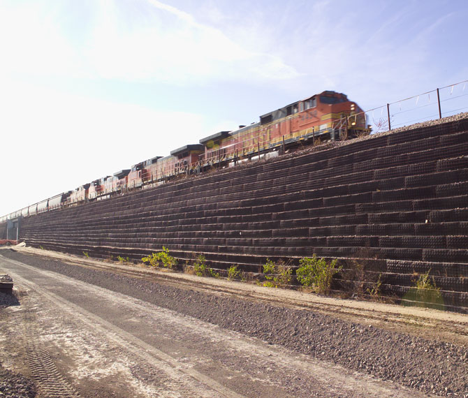 Central Rail Geogrid
